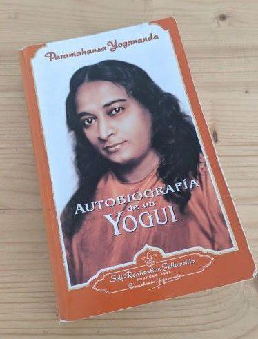 Autobiography of a Yogi Book by Paramahansa Yogananda